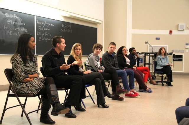 Panel speaking in Multimedia Writing (JOU3109) - Photo by Alex Maminakis