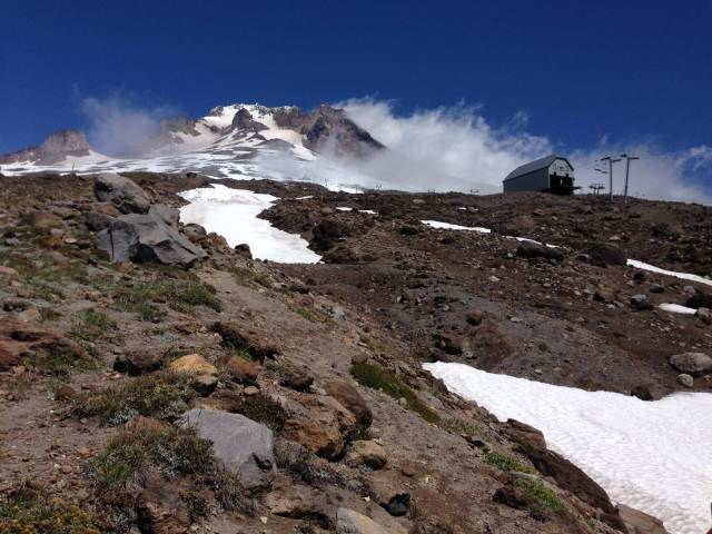 Mount Hood and Magic Mile ski lift