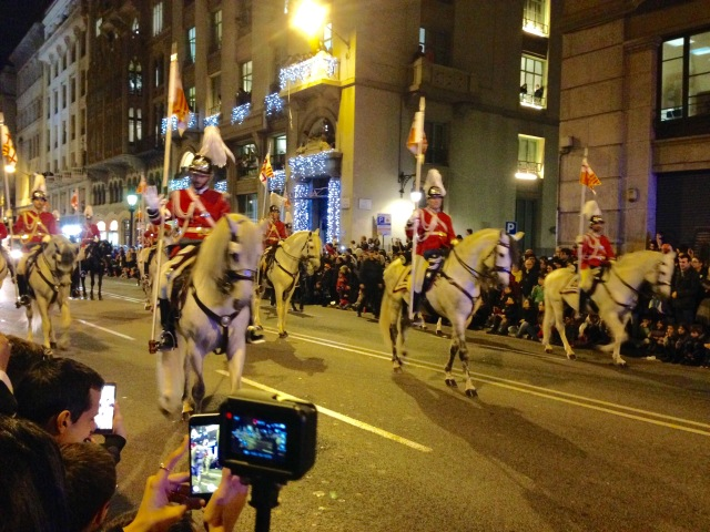 mounted riders in BCN Three Kings Parade